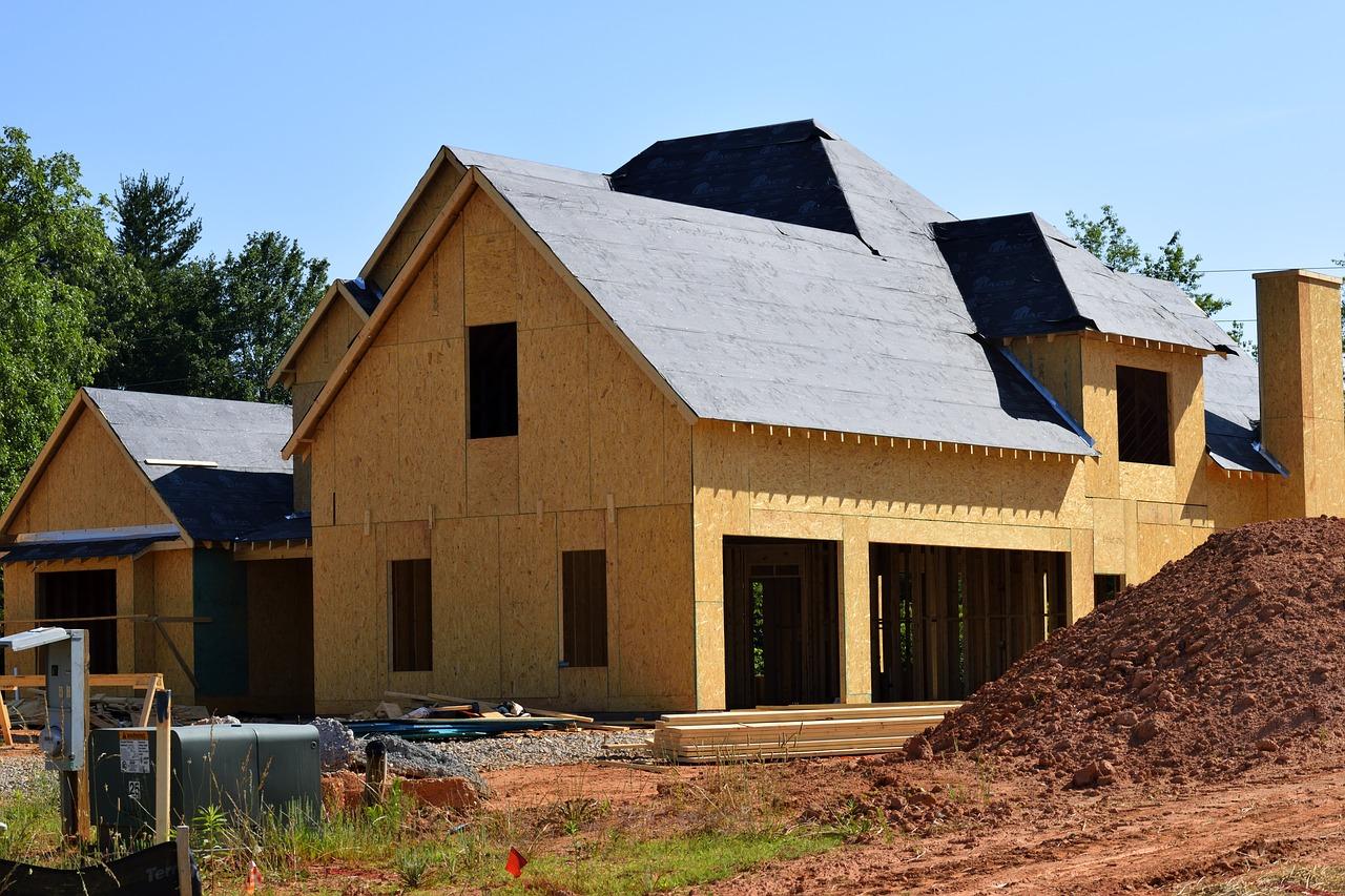 Etapy budowy domu. Najważniejsze informacje.